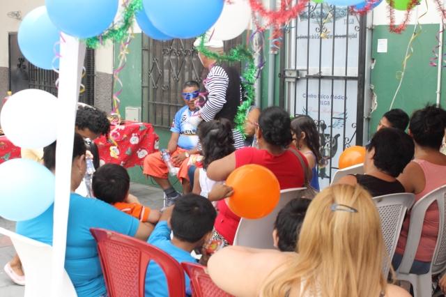 Agasajo navideño a niños y niñas por parte de Silueta X 2014 (37)