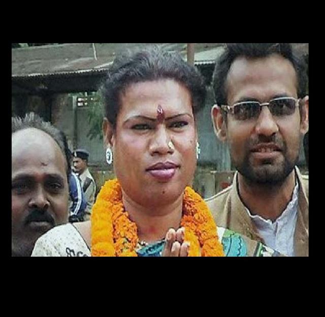India elige a su primera alcaldesa transexual