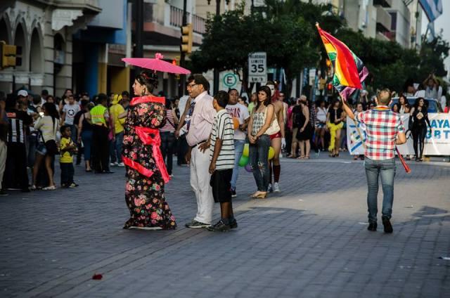 Orgullo LGBT Gay Ecuador Guayaquil 2015 - Asociación Silueta X (162)