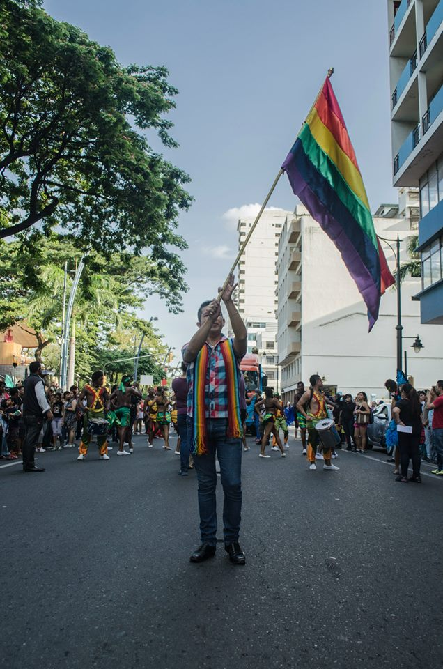 Orgullo LGBT Gay Ecuador Guayaquil 2015 - Asociación Silueta X (19)
