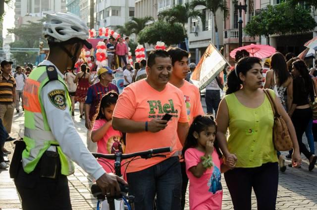 Orgullo LGBT Gay Ecuador Guayaquil 2015 - Asociación Silueta X (30)