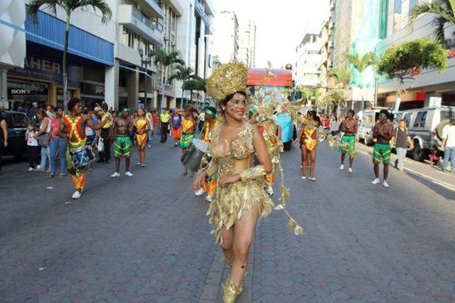Orgullo LGBT Gay Ecuador Guayaquil 2015 - Asociación Silueta X con Diane Rodríguez DianeRodriguezz  (29)