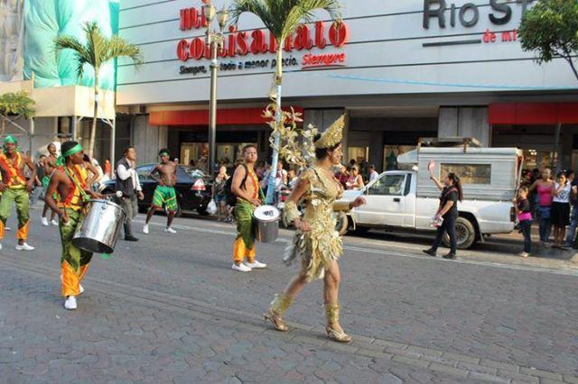 Orgullo LGBT Gay Ecuador Guayaquil 2015 - Asociación Silueta X con Diane Rodríguez DianeRodriguezz  (4)