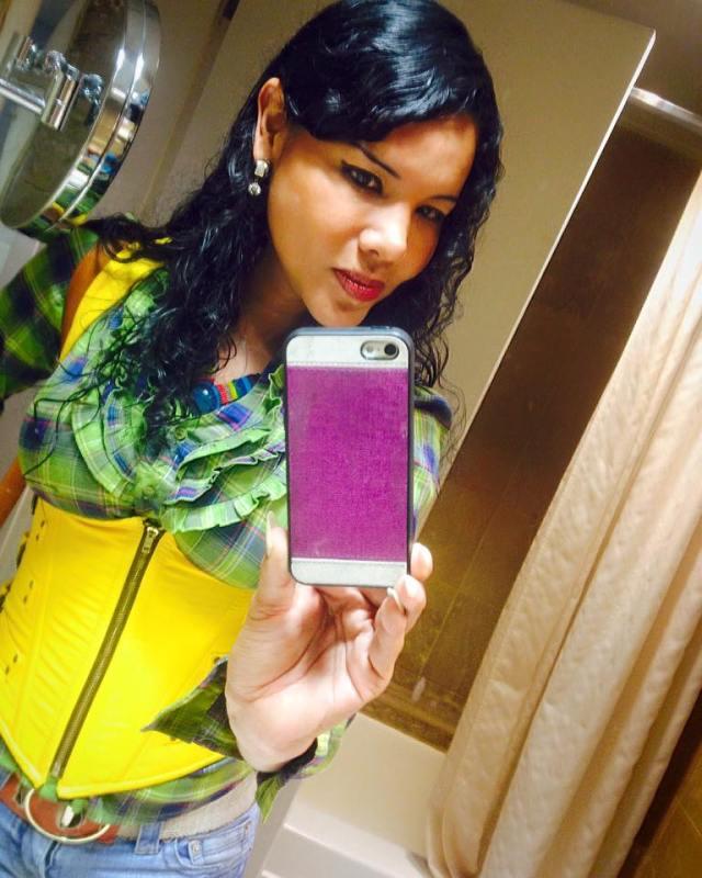 Diane Rodríguez - Activista Transexual LGBT de Ecuador - Selfie - copia