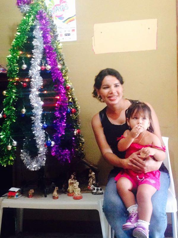 Diane Rodríguez en agasajo a niños que viven con VIH - copia
