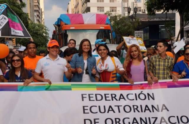 Marcha del Orgullo y Diversidad Sexual 2016 encabezada por la Federación de organizaciones LGBTI Diane Rodriguez y Marcela Aguinaga (2)