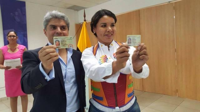 Transexuales logran la sustitución de sexo por genero en la cedula en Ecuador (10)