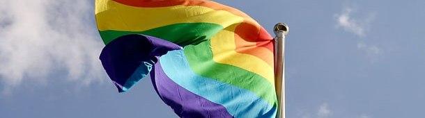 Candidatos a dos alcaldías en Ecuador firmaron acuerdo de igualdadLGBT