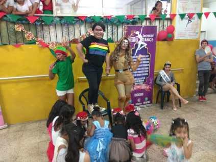 Agasajo de niños con VIH - SIlueta X - Cámara LGBT - Transmasculinos Ecuador 2019 -niños enfermeddes catastroficas - Diane Rdríguez (12)