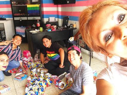 Agasajo de niños con VIH - SIlueta X - Cámara LGBT - Transmasculinos Ecuador 2019 -niños enfermeddes catastroficas - Diane Rdríguez (3)