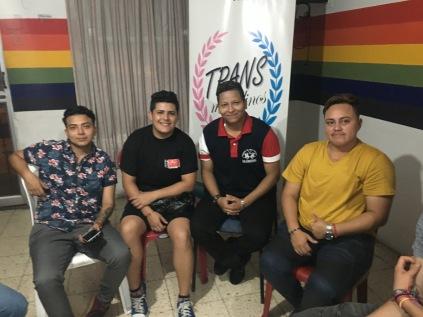 Asociación Transmasculinos Ecuador - Hombres trans FTM - Taller terapia hormonal y peligros (12)